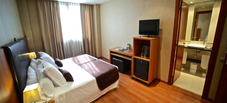 STANDARD DOUBLE ROOM (SINGLE) HLG CityPark Sant Just Hotel