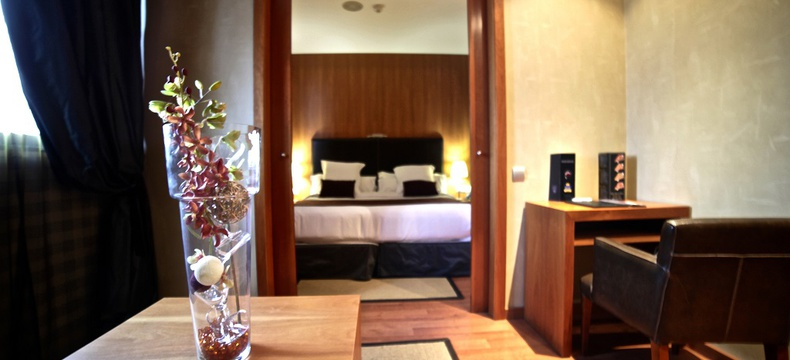 SUITE HLG CityPark Sant Just Hotel