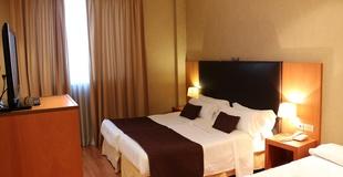 STANDARD TRIPLE ROOM HLG CityPark Sant Just Hotel